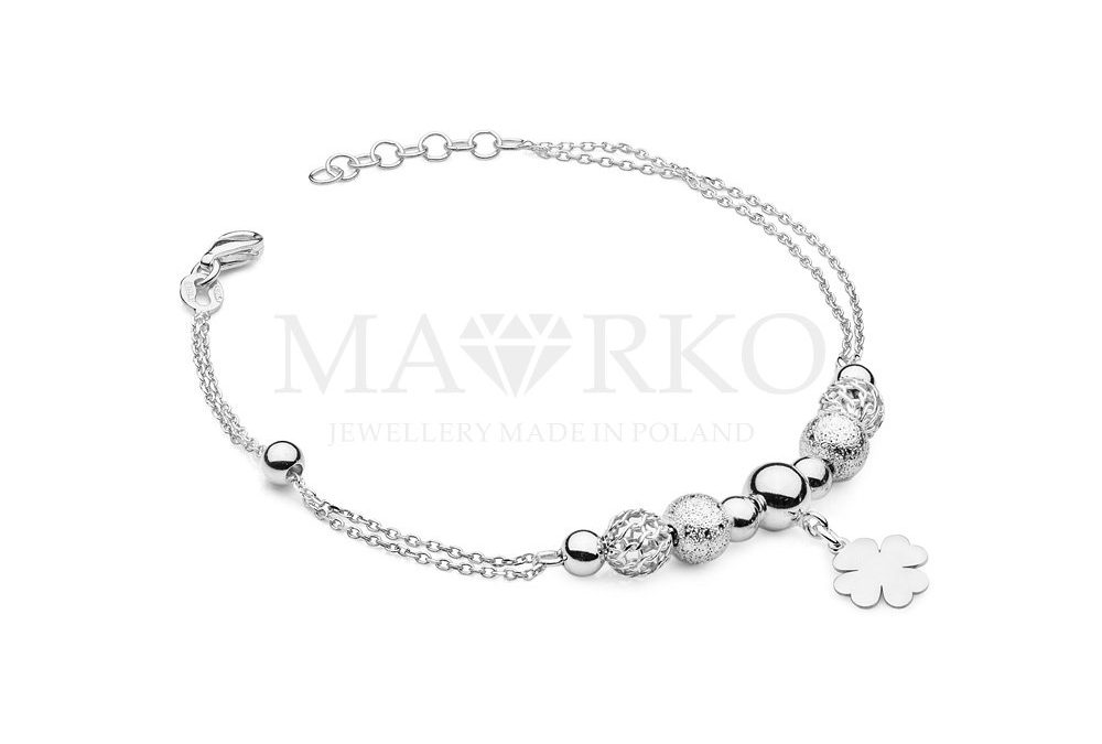 srebrna bransoletka z zawieszkami